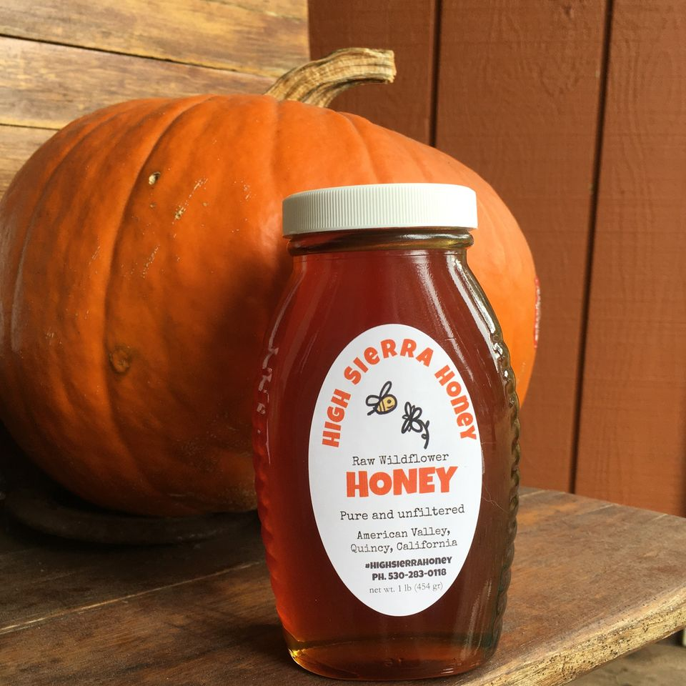 1 pound of honey in a jar